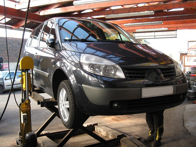 Renault Grand Scenic II 1,5 dCi, r. v. 2005